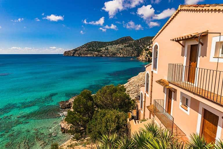 huge villa overlooking the sea